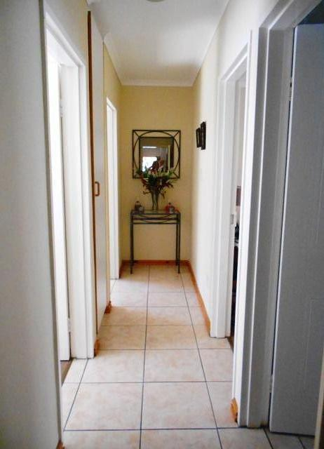 Property For Rent in The Crest, Durbanville 13
